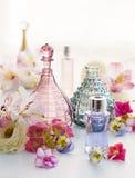 Pachnidło i aromatyczne olej butelki obraz royalty free