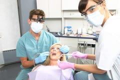 Paciente en oficina dental Fotografía de archivo