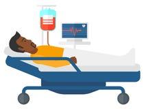 Paciente que miente en cama Foto de archivo libre de regalías