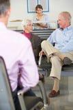 Pacientes en la sala de espera del doctor Fotos de archivo libres de regalías