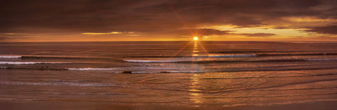 Free Pacific Ocean Sunset Royalty Free Stock Image - 18585086