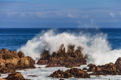 Free Pacific Ocean Waves Crashing On The Rugged Northern California C Royalty Free Stock Photography - 132705597