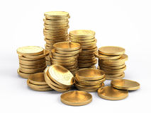 Packa ihop och finansbegrepp - guld- mynt på vit bakgrund Arkivfoton