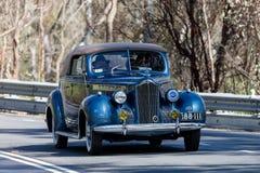 Packard 110 cabrioletkupé 1940 Arkivbild