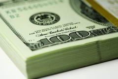 Packe av dollar Arkivfoto