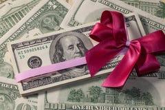 Packe av dollarräkningar Royaltyfri Bild