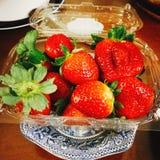 Packe av jordgubbar royaltyfri fotografi