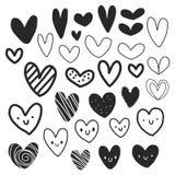 Packe av svartvita hjärtor med gulliga framsidor stock illustrationer