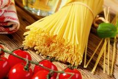 Packe av torkad spagetti Royaltyfri Foto