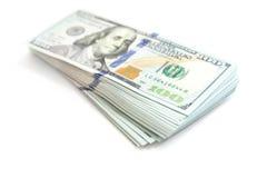 Packe av USA 100 dollar som isoleras på vit Royaltyfri Foto