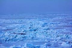 Packeis nära nordpolen i 2016, hummocky polar is Arkivfoto