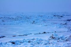 Packeis nära nordpolen i 2016, hummocky polar is Royaltyfri Bild