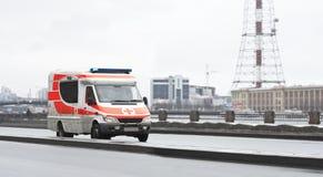 Packwagen mit 911 Rettungen Stockfotos