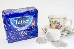 Pacote do aniversário do original de Tetley 180th de saquinhos de chá Fotografia de Stock