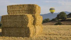 Pacotes do balão e da palha de ar imagens de stock royalty free