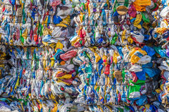Pacotes do plástico para reciclar Fotografia de Stock Royalty Free