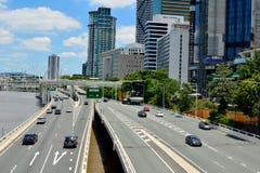 Pacyficzna autostrada na rzecznym nabrzeżu w Brisbane, Australia fotografia stock