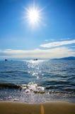 Pacyficzna północnego zachodu oceanu plaża blisko Vancouver angielszczyzn Trzymać na dystans z su Obraz Stock