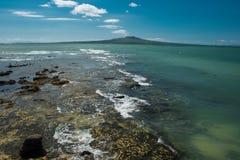 Pacyficznego oceanu linia brzegowa w Nowym Zealand Obrazy Stock