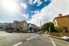 Pacyfik i Steiner uliczny rozdroże w San Francisco pod sh obrazy royalty free
