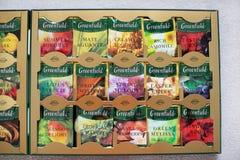 Paczka Greenfield herbata z wiele różnymi smakami obrazy stock