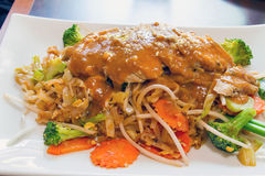 Pad Thai with Lemongrass Chicken stock photography