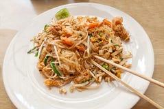 Pad Thai with shrimps, traditional Thai main dish Royalty Free Stock Photos
