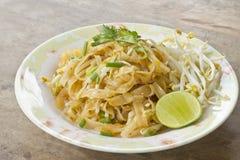 Pad thai thailändsk mat Royaltyfri Fotografi