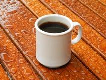 Padać ranek filiżankę kawy Zdjęcie Stock