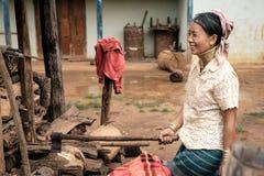 Padaung (卡伦)从平底锅宠物villag的小山部落地道生活  免版税库存图片