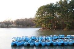 Paddel-Boote auf einem Fluss Lizenzfreie Stockfotografie