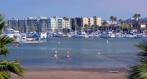 Paddel-Internatsschüler bei Marina Del Rey, Los Angeles, USA. Stockfotos