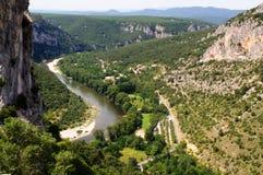 Paddla på den Ardeche floden i söder-centralen Frankrike Royaltyfri Fotografi