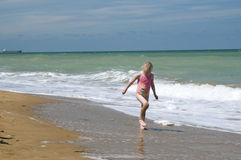 Paddla vid shorelinen Arkivfoto