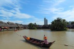 Paddle łodzie i woda rynki Fotografia Stock