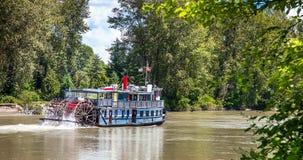 Paddle parostatek na Fraser rzece przy Abbotsford Brytyjski Columbi zdjęcia royalty free