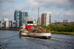 Paddle Steamer Waverley heading `doon the Watta`, Glasgow, Scotland 2nd August 2016. A view of the world famous Paddle Steamer Waverley heading down the River Stock Image