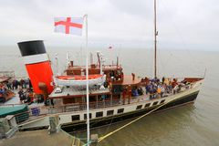 Paddle steamer Waverley moored to pier Stock Photography