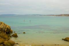Paddleboarding em águas quietas Foto de Stock Royalty Free