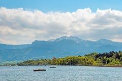 Paddleboat su Chiemsee fotografia stock libera da diritti