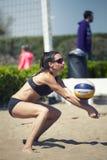padeiro Mulheres do competiam do voleibol de praia Lugar: Ostia, Roma Italy foto de stock
