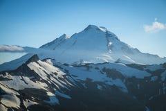 Padeiro Snowcapped da montagem, lagópode dos Alpes Ridge, estado de Washington Cascad Imagem de Stock