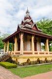 Padiglione antico di Wat Sisaket Monastery a Vientiane, Laos fotografie stock libere da diritti