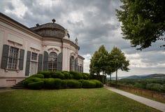 Padiglione del giardino dello XVIII secolo nel parco dell'abbazia di Melk Melk, Niederösterreich fotografia stock