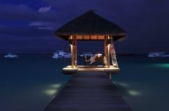 Padiglione del pranzo sopra il mare, Maldives Fotografia Stock