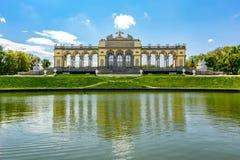 Padiglione di Gloriette nel parco di Schonbrunn, Vienna, Austria fotografia stock libera da diritti