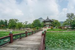 Padiglione di Hyangwonjeong Fotografie Stock