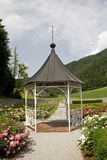 Padiglione nel giardino in Polhov Gradec Fotografia Stock
