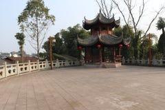 Padiglione ottagonale antico cinese Bajia antico cinese del padiglione del padiglione ottagonale antico ottagonale cinese antico  fotografia stock libera da diritti
