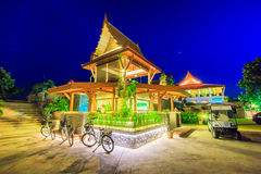 Padiglione tailandese nella sera Immagini Stock